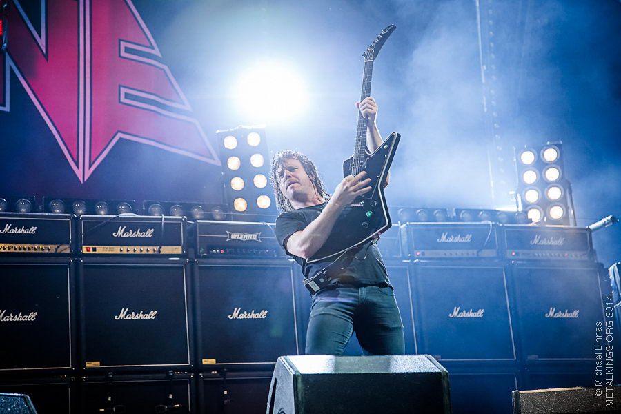 13 - Airbourne
