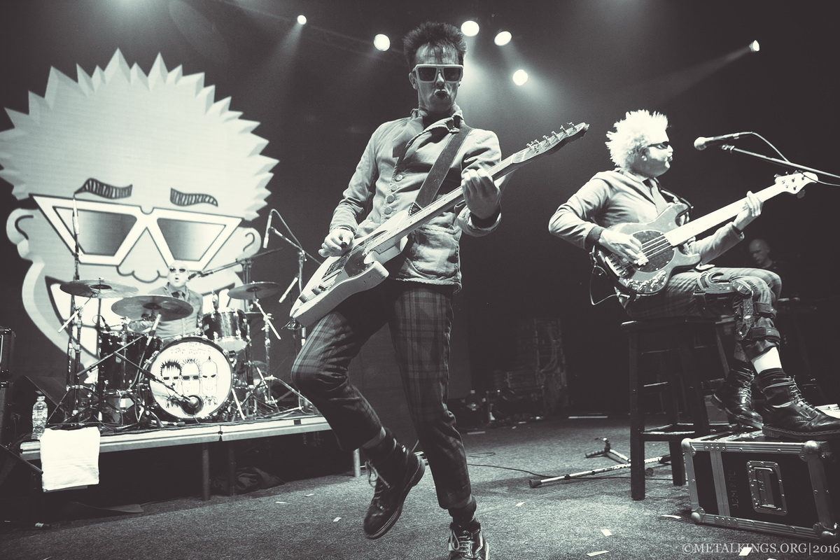 26 - The Toy Dolls