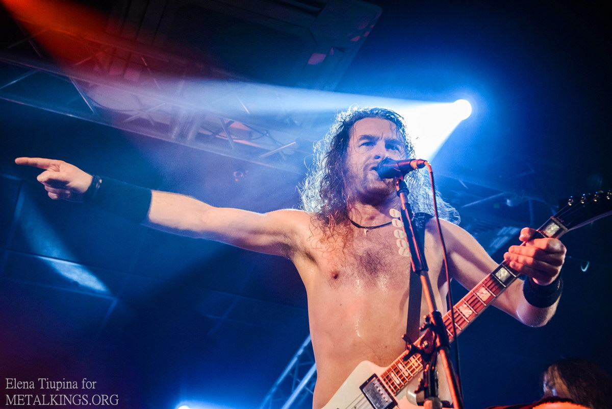 27 - Airbourne