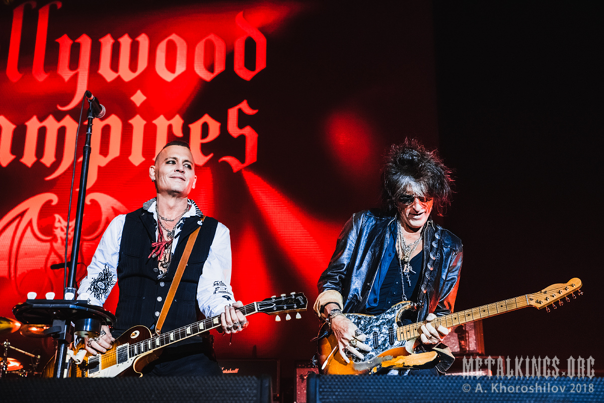 3 - Hollywood Vampires
