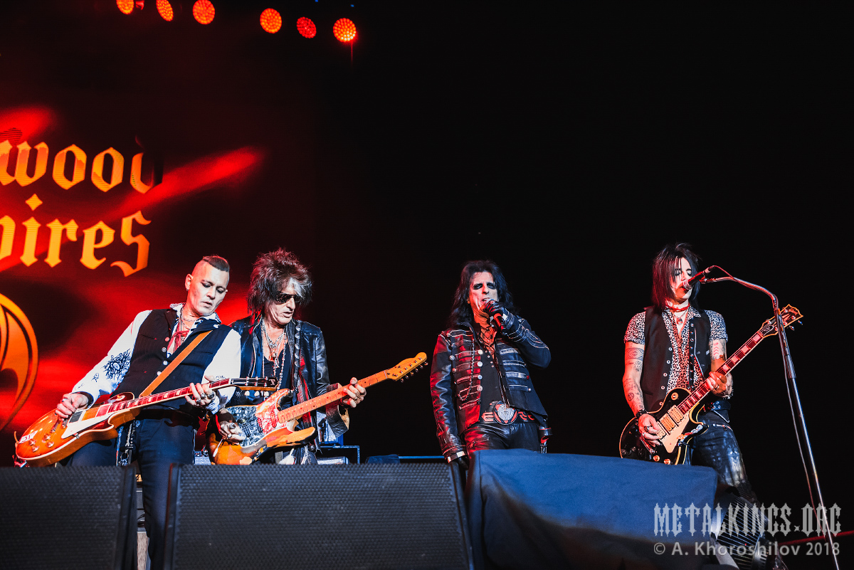 6 - Hollywood Vampires