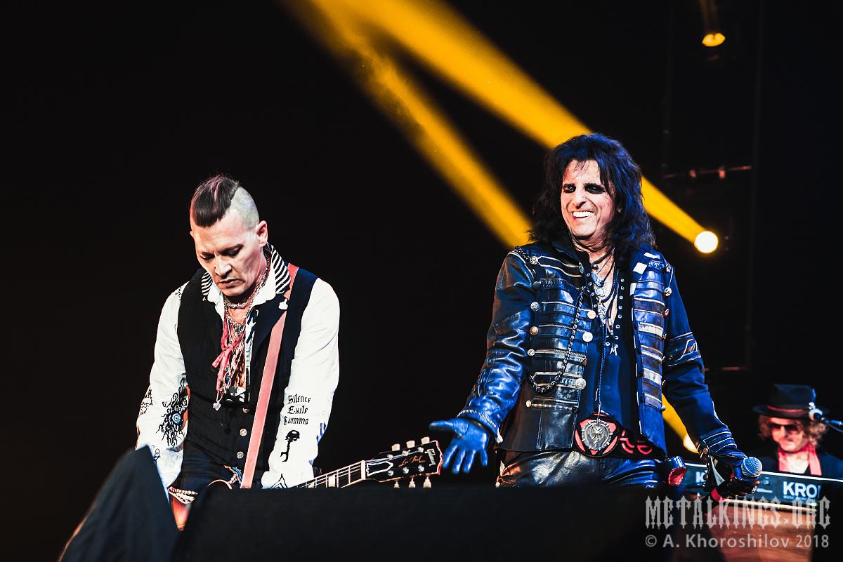 33 - Hollywood Vampires