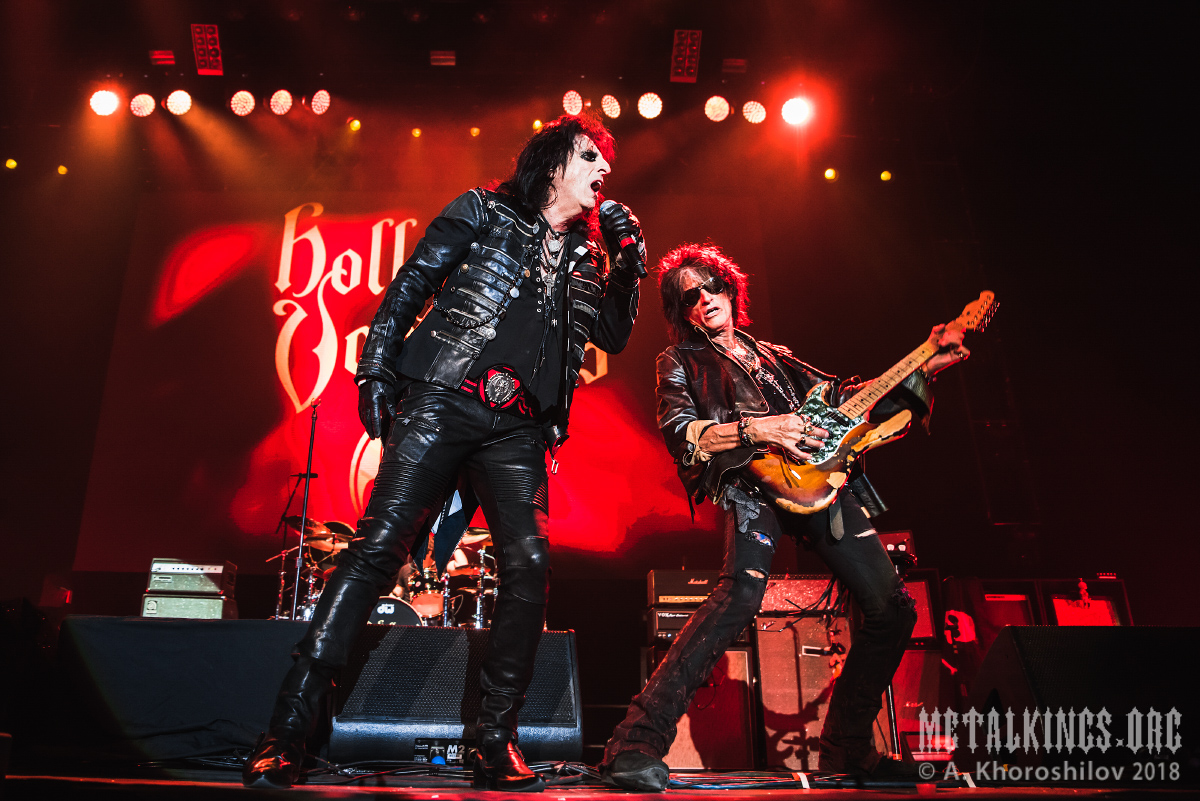 35 - Hollywood Vampires