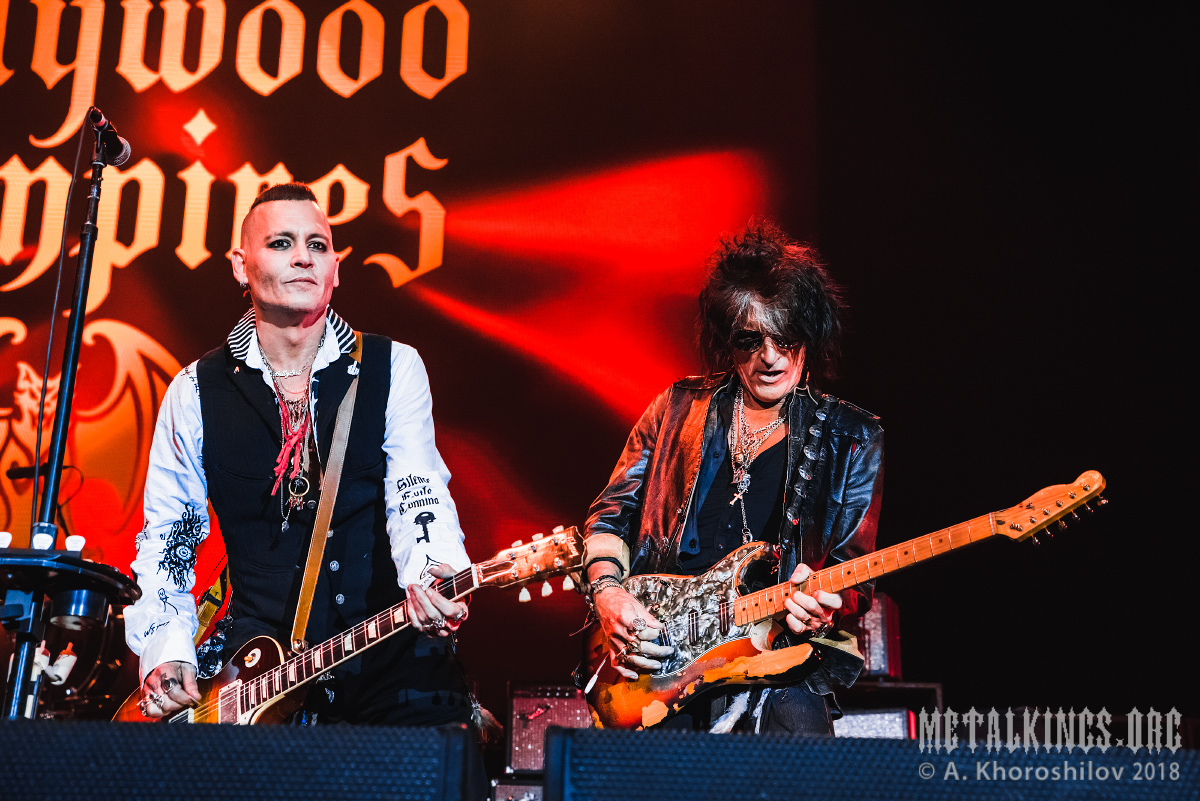 45 - Hollywood Vampires