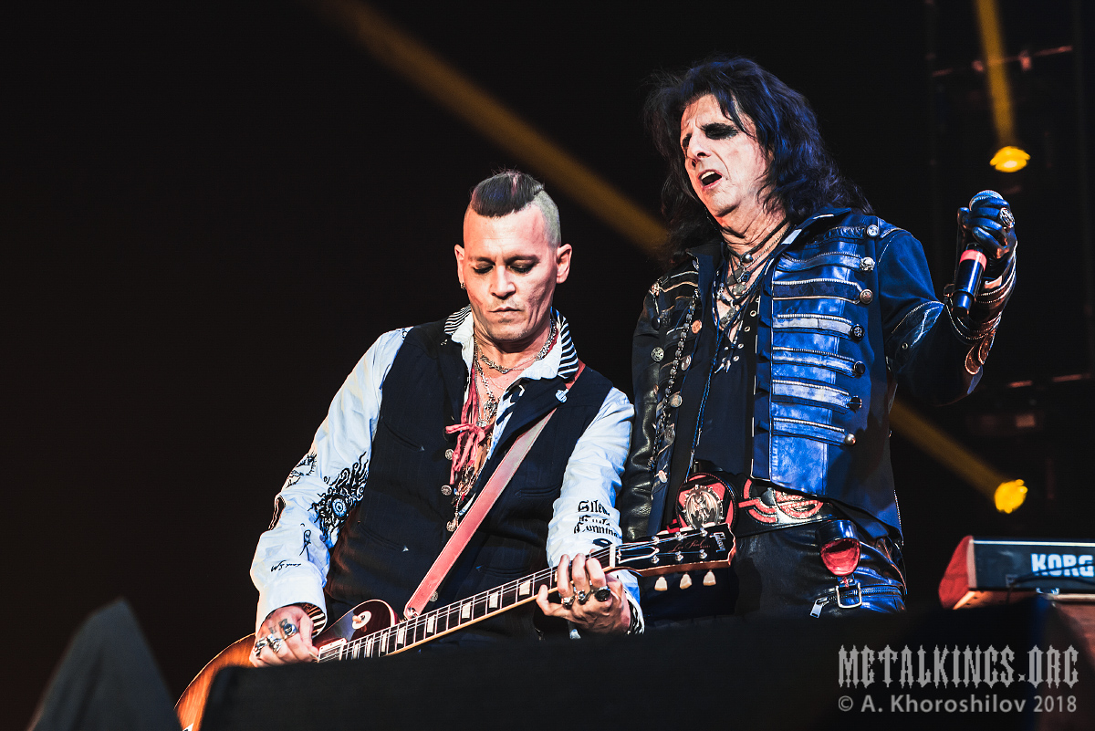 50 - Hollywood Vampires