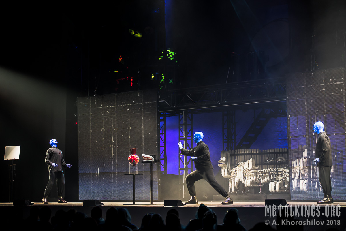 12 - Blue Man Group