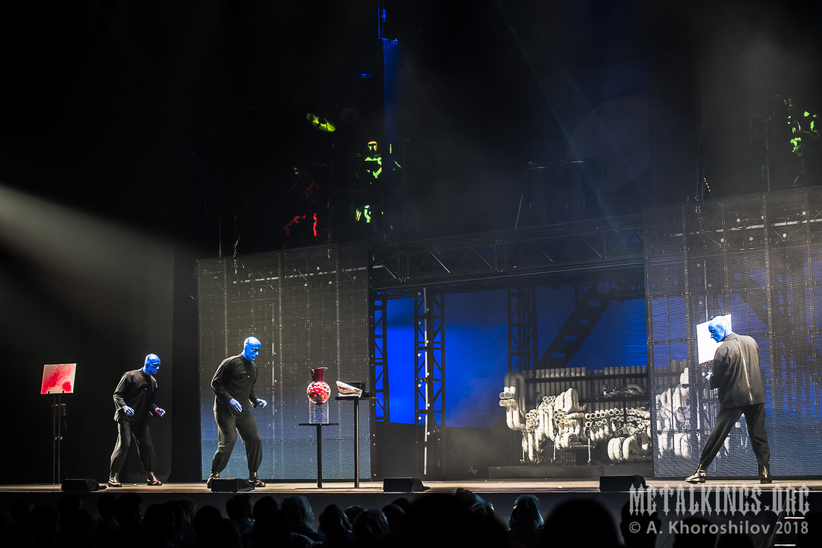 15 - Blue Man Group