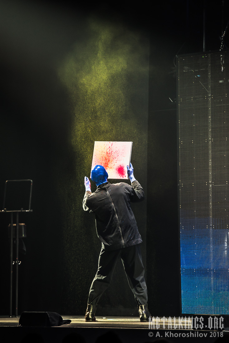 17 - Blue Man Group