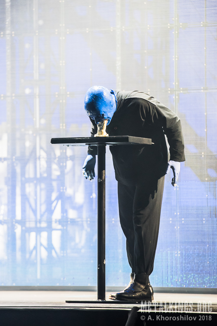27 - Blue Man Group
