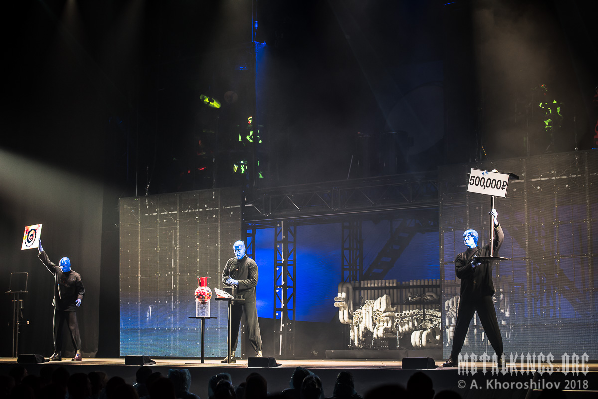 29 - Blue Man Group