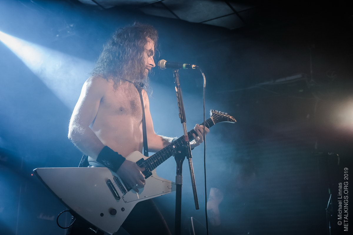 32 - Airbourne