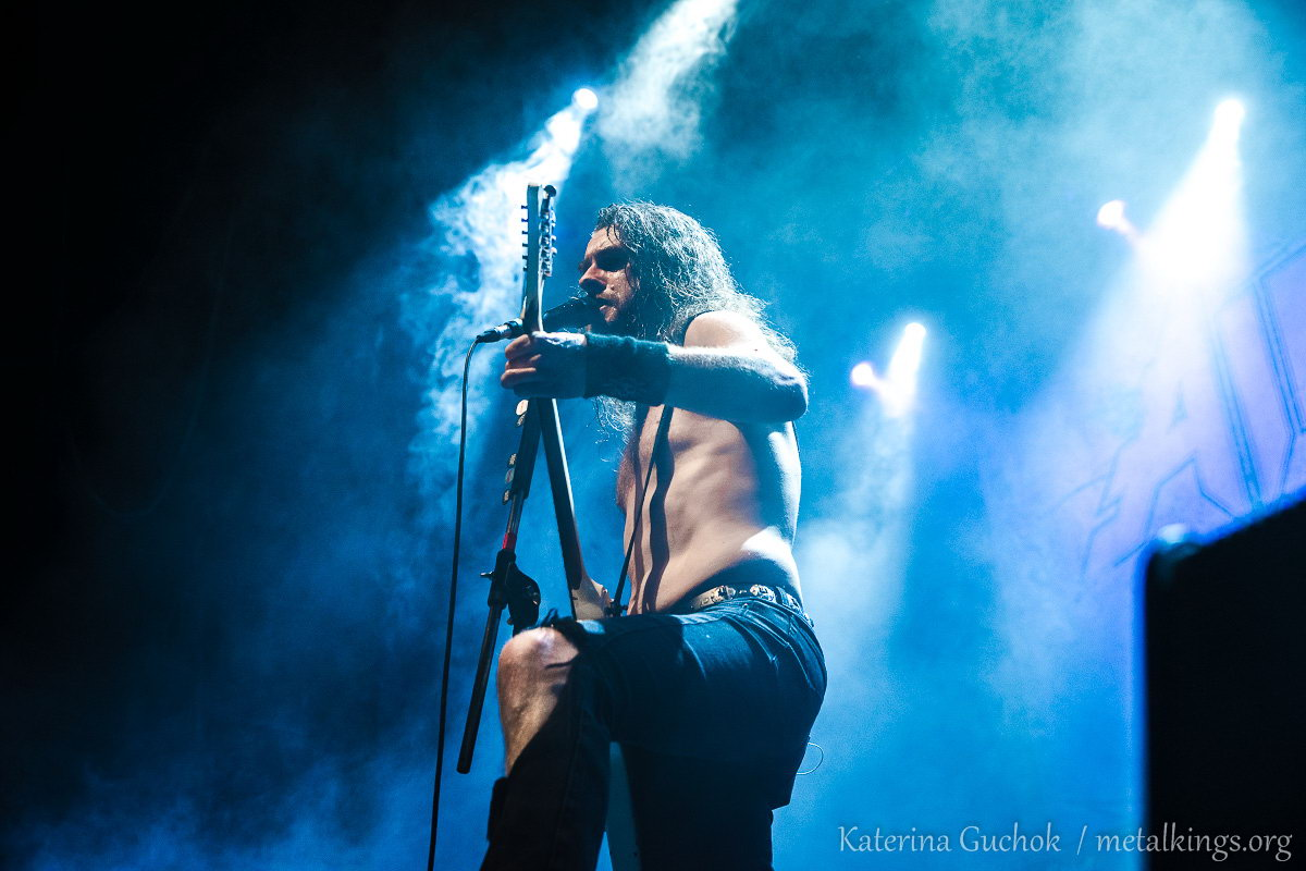 33 - Airbourne